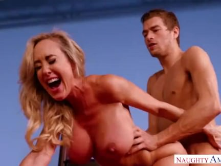 Horny Step Mom Brandi Love loves me
